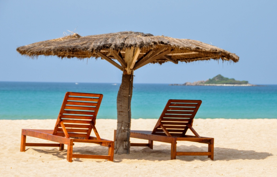 Take it easy at the white sands of Trincomalee